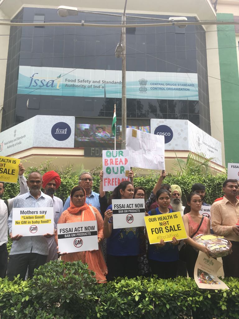 India For Safe Food (IFSF) protest outside the office of FSSAI